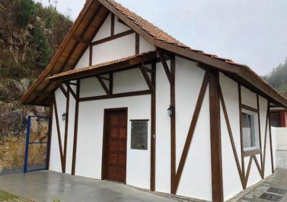 Rancho Queimado ganha agência da Casan em casa ao estilo enxaimel