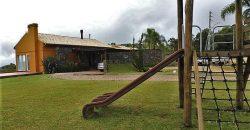 Residência excepcional, situada em um dos melhores condomínios de Rancho Queimado.